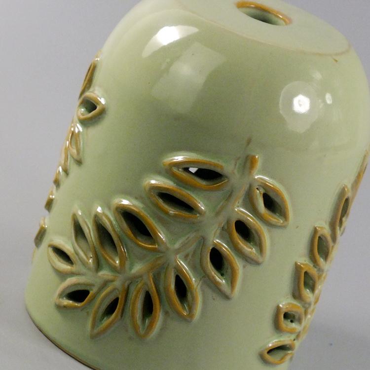 Aroma Diffuser Ceramic Leaf detail