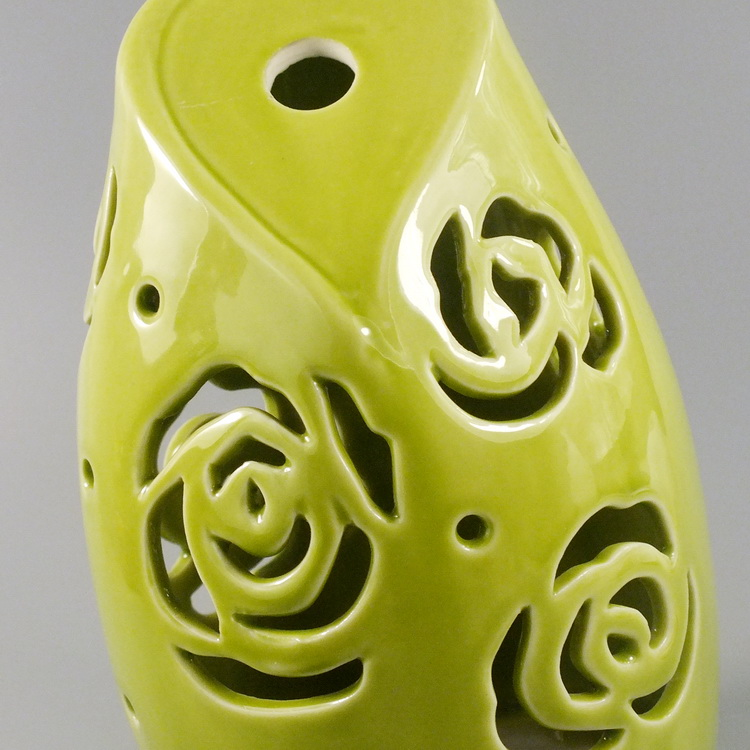 Aroma Diffuser Ceramic Green Heart with Rose details