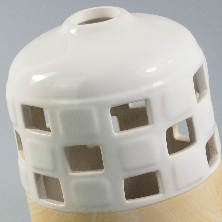 Aroma Diffuser ceramic woodbase small details