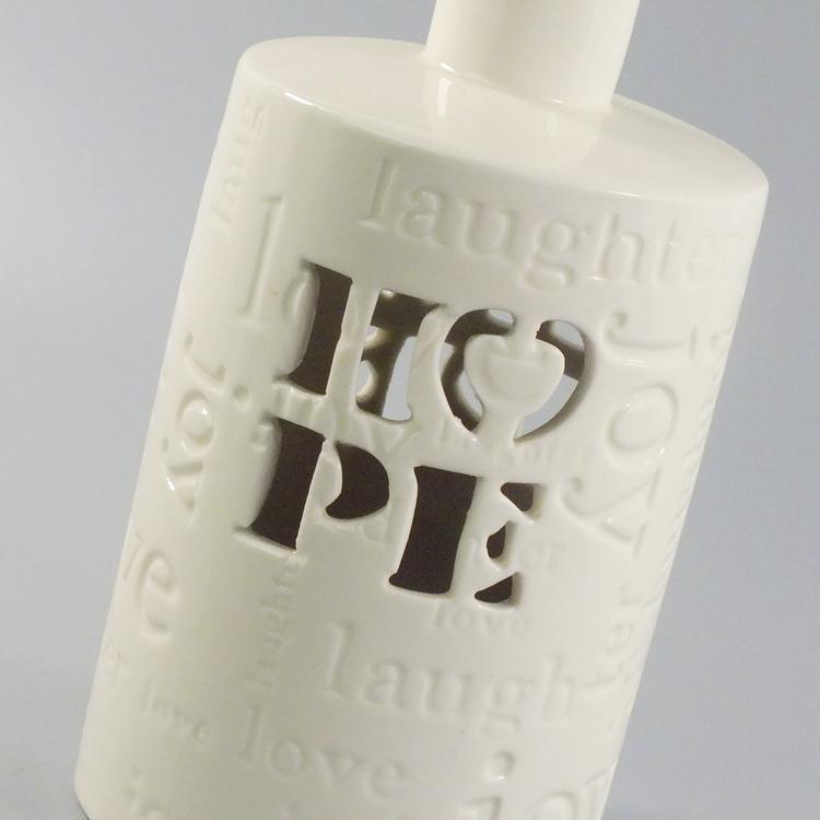 Aroma Diffuser porcelain white HOPE details